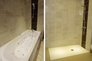 Pose des salles de bains de l'hôtel