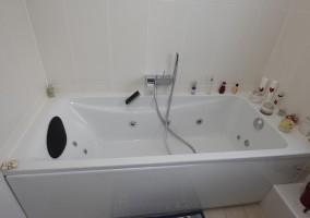 Pose d'une baignoire hydro-massante