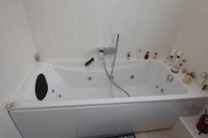 Baignoire hydro-massante