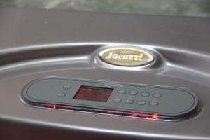 Alimentation eau chaude et froide du spa JACUZZI
