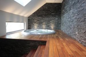 Salle de bain annexe avec spa JACUZZI