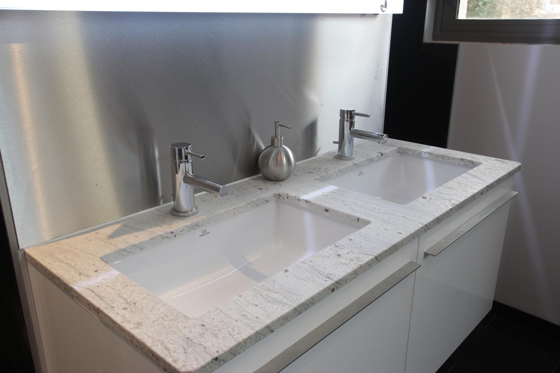 Plan de vasque porcelanosa jou plomberie chauffage for Porcelanosa salle de bain