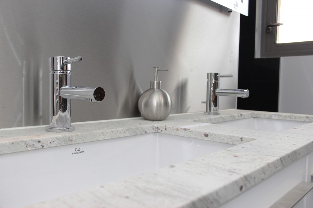 Salle de bain chez particulier jou plomberie chauffage for Robinetterie porcelanosa