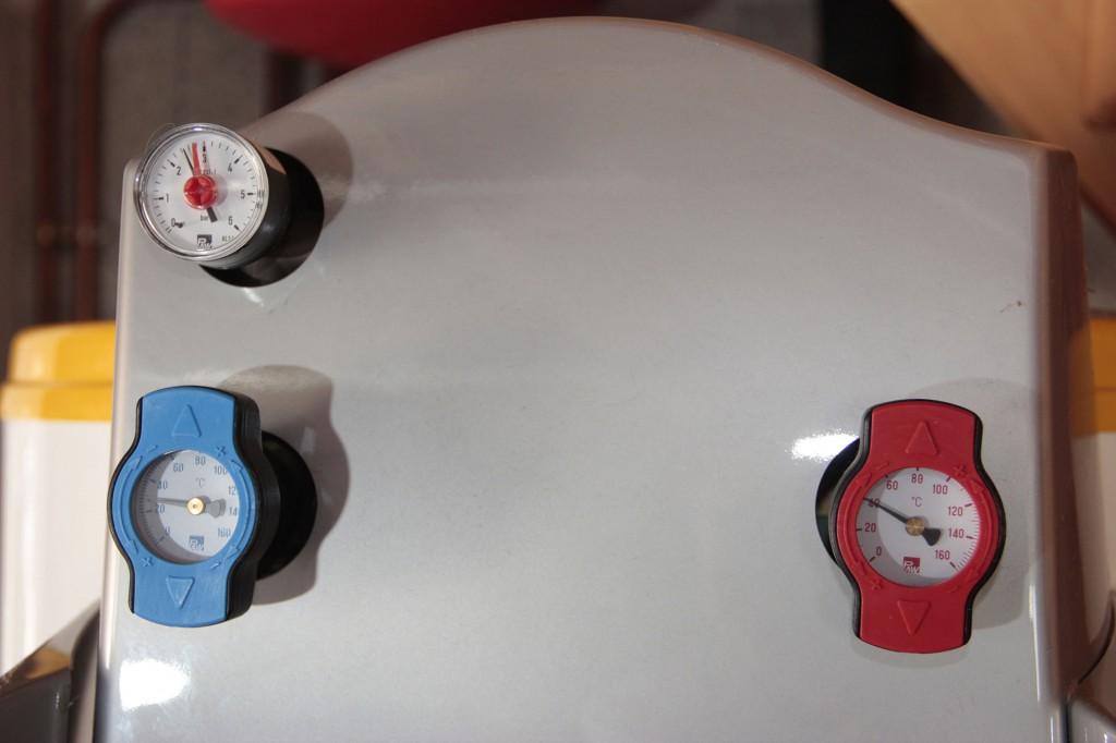 Manomètres de contrôle du ballon solaire