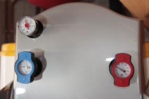 Manomètres de contrôle du ballon solaire DE DIETRICH
